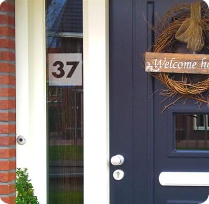 Modern Huisnummer transparant raamfolie