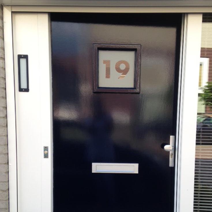 Raamfolie-review-huisnummer.jpg